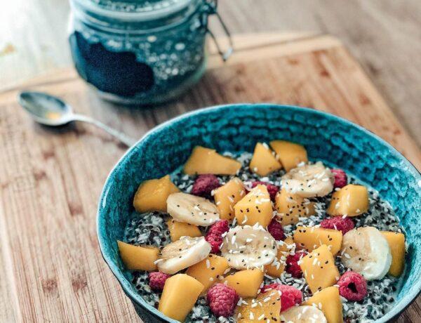 Kvinojas un kokosriekstu pudiņš